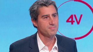 """François Ruffin, député La France insoumise de la Somme et réalisateur, était l'invité des """"4 Vérités"""" de France 2, mercredi 20 octobre. (CAPTURE ECRAN FRANCE 2)"""
