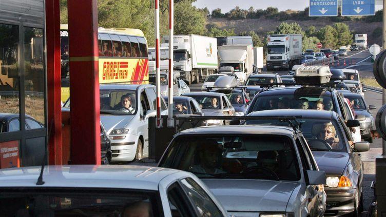 Les embouteillages au péage d'Agde (Hérault), le 9 juillet 2005. (DOMINIQUE FAGET / AFP)