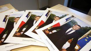 Les portraits officiels d'Emmanuel Macron, prêts à être distribués auxmairies duDoubs, le 25 juillet 2017. (MAXPPP)