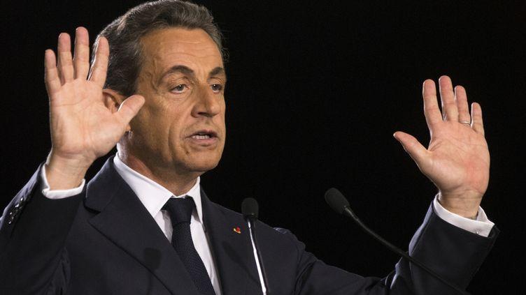 Nicolas Sarkozy,le 7 novembre 2014, donne un discours à Paris lors de la campagne pour la présidence de l'UMP. ( PHILIPPE WOJAZER / REUTERS)