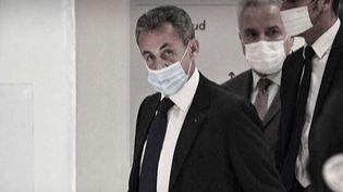 Nicolas Sarkozy a été condamné à un an de prison ferme, jeudi 30 septembre. Le tribunal a précisé que cette peine sera aménagée. L'ex-chef de l'État a été reconnu coupable de financement illégal de sa campagne de 2012, dans l'affaire Bygmalion. (FRANCE 3)