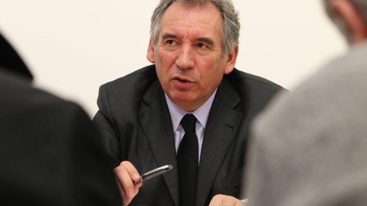 Le maire de Pau et président du MoDem François Bayrou lors d'une conférence de presse, à Pau (Pyrénées-Atlantiques), le 29 janvier 2014. (MAXPPP)