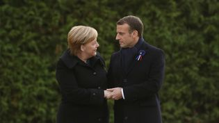 Angela Merkel et Emmanuel Macron àRethondes(Oise), le 10 novembre 2018. (PHILIPPE WOJAZER / AFP)