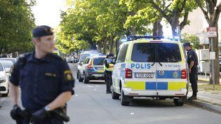 Des policiers àSollentuna (Suède), le 20 juin 2019. (CHRISTINE OLSSON / TT NEWS AGENCY / AFP)