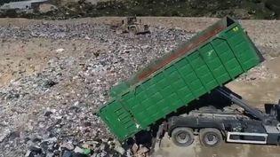 En Corse-du-Sud, le plus grand centre d'enfouissement est saturé de déchets. Les riverains sont excédés. (FRANCE 3)