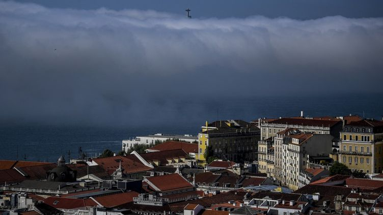 Lisbonne, le 5 avril 2021. (PATRICIA DE MELO MOREIRA / AFP)