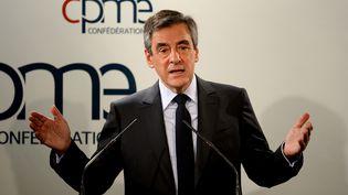 François Fillon, lors d'un débat organisé par la Confédération des petites et moyennes entreprises,à Puteaux (Hauts-de-Seine), le 6 mars 2017. (ERIC PIERMONT / AFP)