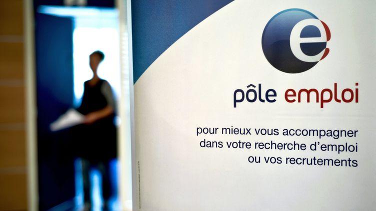 Le taux de chômage en France métropolitaine a augmenté de 0,1 point au quatrième trimestre 2011 par rapport au trimestre précédent, à 9,4% de la population active, selon l'Insee. (JEFF PACHOUD / AFP)