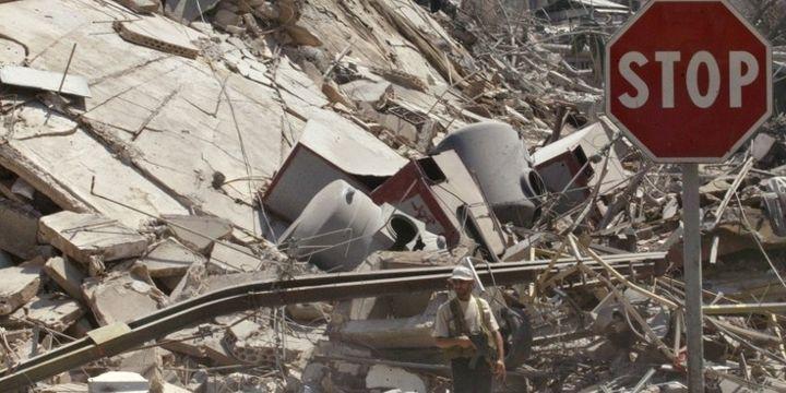Beyrouth en 2006 après des bombardements israéliens (AFP/HAITHAM MUSSAWI / AFP)