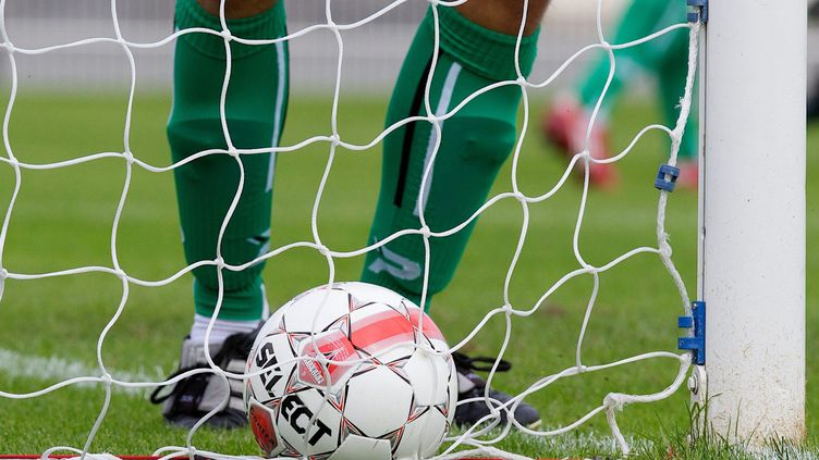 Match de football amateur (illustration). (JOHAN BEN AZZOUZ / MAXPPP)