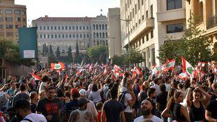 Des Libanais manifestent contre la classe politique, qu'ils accusent de corruption, le 19 octobre 2019 à Beyrouth (Liban). (MAHMUT GELDI / ANADOLU AGENCY / AFP)