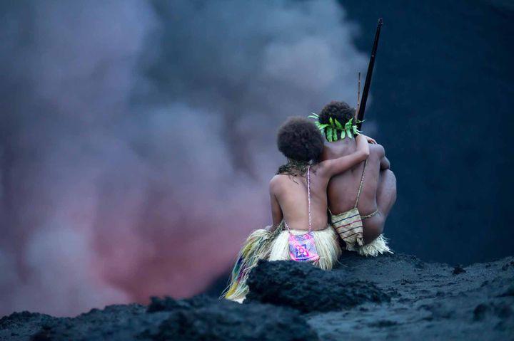 """Marie Wawa et Mungau Dain dans """"Tanna"""" de Bentley Dean et Martin Butler  (PHILIPPE PENEL)"""