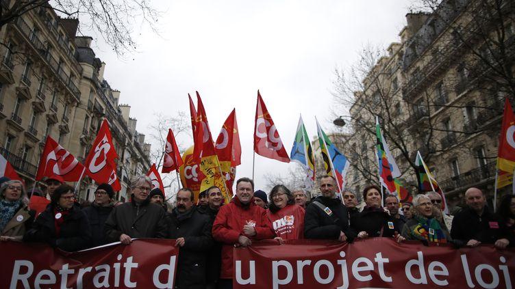 Des opposants au projet de loi Travail manifestent à Paris, le 9 mars 2016. (CHRISTIAN HARTMANN / REUTERS)