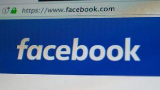 Le réseau social a mis deux semaines avant de supprimer le message (Alberto Pezzali / NurPhoto)