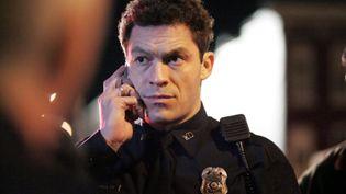 """James """"Jimmy"""" McNulty dans la série """"Sur écoute"""", interprété par Dominic West. (FR_TMDB)"""