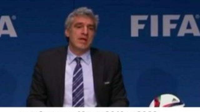 """Sepp Blatter """"n'est pas en train de danser dans son bureau"""" selon le porte-parole de la FIFA"""