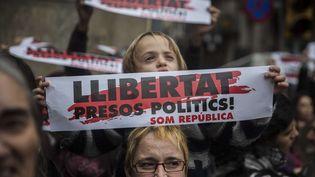 Manifestation devant les bureaux du gouvernement de Catalogne à Barcelone (Espagne), le 8 novembre 2017 (SANTI PALACIOS / AP / SIPA)