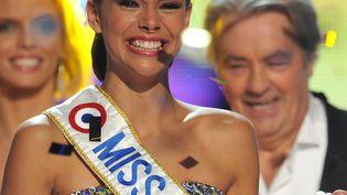 Marine Lorphelin, sacrée Miss France 2013 à Limoges (Limousin), le 8 décembre 2012. (PIERRE ANDRIEU / AFP)