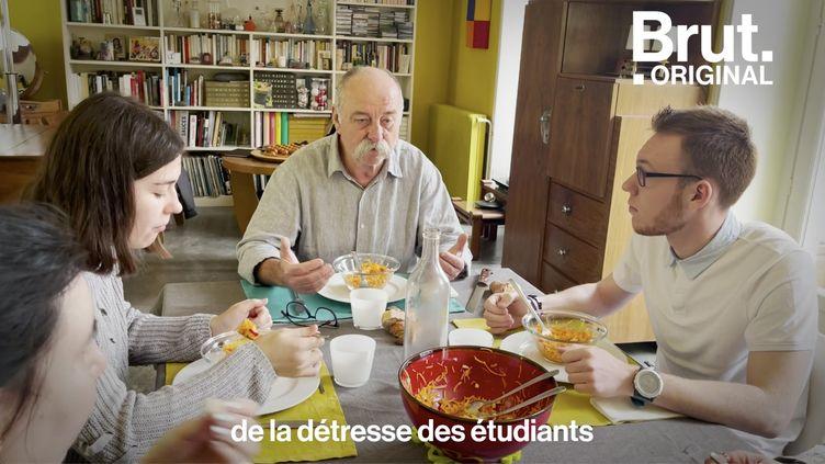 VIDEO. À Bourges, ce couple de retraités reçoit des étudiants le temps d'un déjeuner (BRUT)