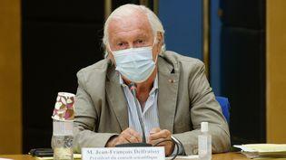 Le professeur Jean-François Delfraissy, président du Conseil scientifique, lors d'une audition à la Commission des affaires sociales du Sénat, le 22 juillet 2021 à Paris. (DANIEL PIER / NURPHOTO / AFP)