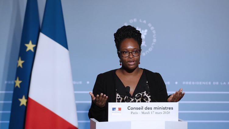 La porte-parole du gouvernement, Sibeth Ndiaye, à l'Elysée, le 17 mars 2020. (YOAN VALAT / EPA POOL)