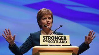 La dirigeante écossaise Nicola Sturgeon a annoncé jeudi 13 octobre son intention de présenter la semaine prochaine un nouveau projet pour un référendum d'indépendance (RUSSELL CHEYNE / REUTERS / X02429)