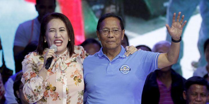 Février 2016 à Mandaluyong city (province de Manille): l'actrice Ai-Ai de las Alas chante en soutien à Jejomar Binay, actuel vice-président, candidat à la présidence des Philippines, lors des élections générales du mois de mai. (Janis ALANO / REUTERS)