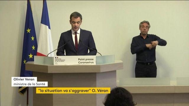 """Masques : Véran défend une réaction """"dès le début"""" de la crise"""