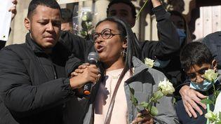 La mère et le frère de Dinah à Mulhouse, le 24 octobre 2021. (FREDERICK FLORIN / AFP)