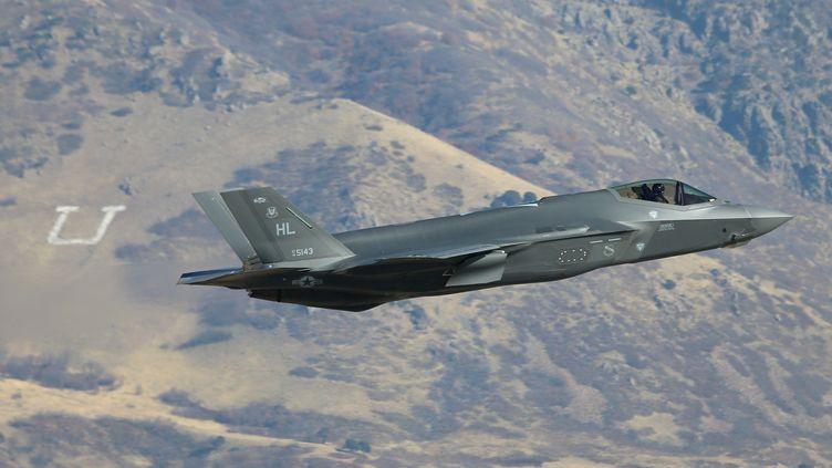 Un F-35A en exercice dans l'Utah (États-Unis), le 19 novembre 2018. (GEORGE FREY / GETTY IMAGES NORTH AMERICA)