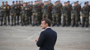 Emmanuel Macron lors de l'hommage au commando Kieffer, le 6 juin 2019 en Normandie. (FRANCOIS MORI / POOL)