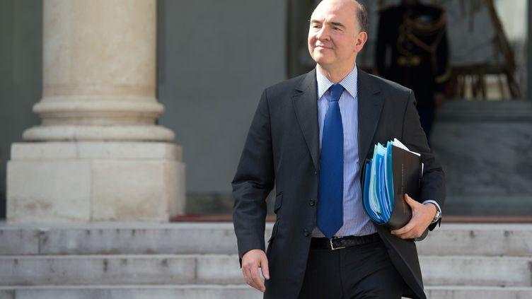 Le ministre de l'Economie et des Finances, Pierre Moscovici, le 17 avril 2013 à l'Elysée, àParis. (BERTRAND LANGLOIS / AFP)