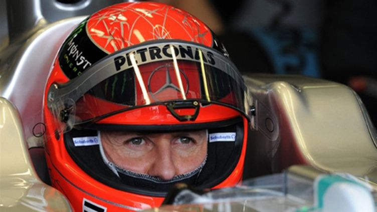 Michael Schumacher devrait poursuivre en F1 la saison prochaine