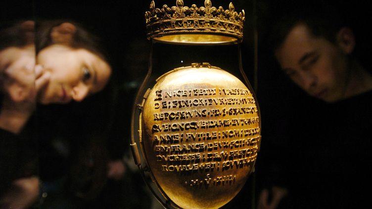 L'écrin en or du cœur reliquaire d'Anne de Bretagne, le 25 janvier 2007, au muséeDobrée de Nantes (Loire-Atlantique). (FRANK PERRY / AFP)