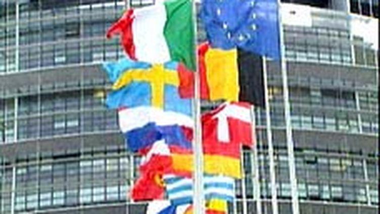 Les Européens soutiennent l'objectif de réduire les émissions mondiales de 80 à 95% d'ici 2050 sans fixer de contrainte. (France 2)