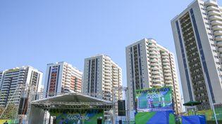 Le village olympique le jour de son inauguration, dimanche 24 juillet 2016, à Rio de Janeiro (Brésil). (XU ZIJIAN / NURPHOTO / AFP)