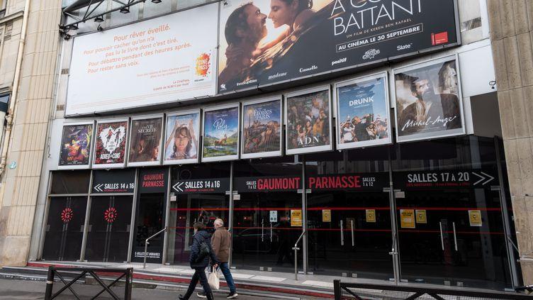 Un cinéma à Paris, fermé en raison du confinement, le 25novembre 2020. (RICCARDO MILANI / HANS LUCAS / AFP)
