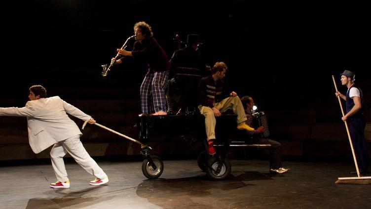 """Une scène de ""Klaxon"" d'Akoreacro  (Niels Benoist)"