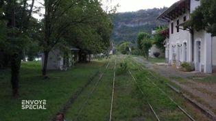 """Ils veulent faire revivre la ligne ferroviaire Bordeaux-Lyon : """"Envoyé spécial"""" a suivi l'aventure Railcoop (ENVOYÉ SPÉCIAL  / FRANCE 2)"""