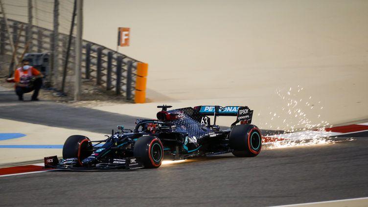 George Russel sur le circuit de Bahreïn, au volant de la Mercedes (FLORENT GOODEN / DPPI)