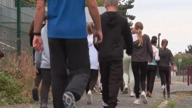 Sport : les adolescents d'aujourd'hui accusent une nette diminution de leurs capacités physiques (FRANCEINFO)