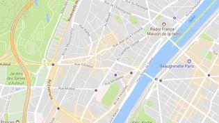 La police a découvert deux bonbonnes de gaz, dans la nuit du vendredi au samedi 30 septembre 2017, dans le hall d'un immeuble du quartier de la porte d'Auteuil et deux autres sur le trottoir. (GOOGLE MAPS)