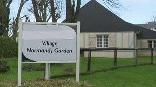 La petite ville de Branville (Calvados) s'apprête à recevoir les 28 Français arrivés ce 21 février de Wuhan (Chine). Les explications sur place du journaliste Thomas Cuny. (France 2)