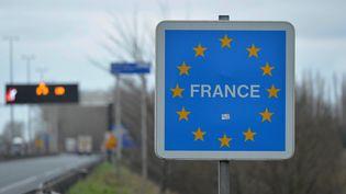 La frontière entre la Belgique et la France, près de La Panne, en Belgique, le 24 février 2016. (DURSUN AYDEMIR / ANADOLU AGENCY / AFP)