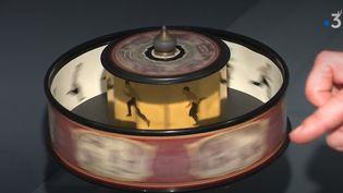 En Auvergne, le musée Crozatier du Puy-en-Velay (Haute-Loire) met en lumière l'image animée et présente le travail d'Émile Reynaud, l'inventeur oublié du praxinoscope. (France 3)