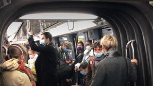 Se taire dans transports (FRANCEINFO)