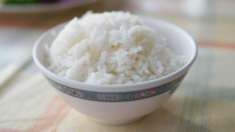 Du riz en plastique a été saisi au Nigeria, annoncent les autorités, le 21 décembre 2016. (ALEX ORTEGA / EYEEM / GETTY IMAGES)