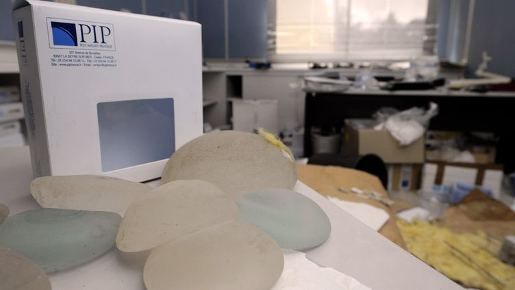 Des cartons de prothèses mammaires dans les locaux de l'entreprise PIP, àLa Seyne sur Mer (Var), le27 janvier 2012. ( MAXPPP)