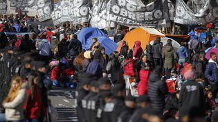 Des manifestants ont installé uncamp à Buenos Aires, le 12 septembre 2019. (EMILIANO LASALVIA / AFP)