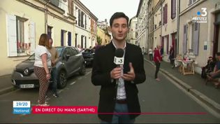 Au Mans, dans la Sarthe, les habitants fêtaient déjà la fin du confinement, dimanche 10 mai, dans la soirée. (France 3)